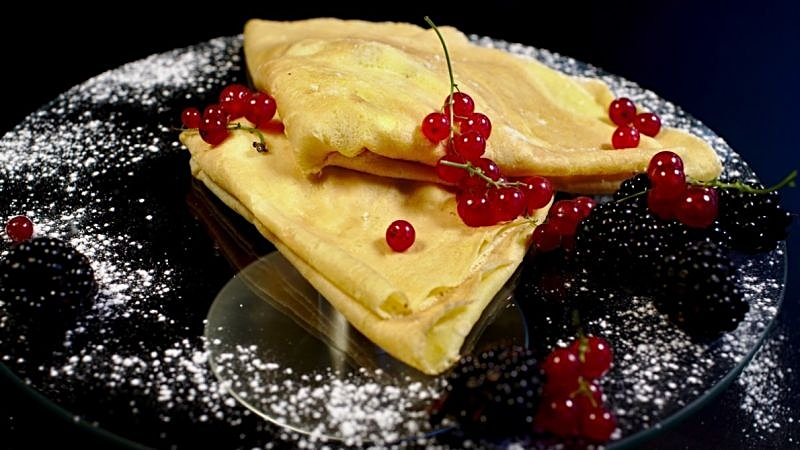 giant-pancakes-with-sweet-cheese