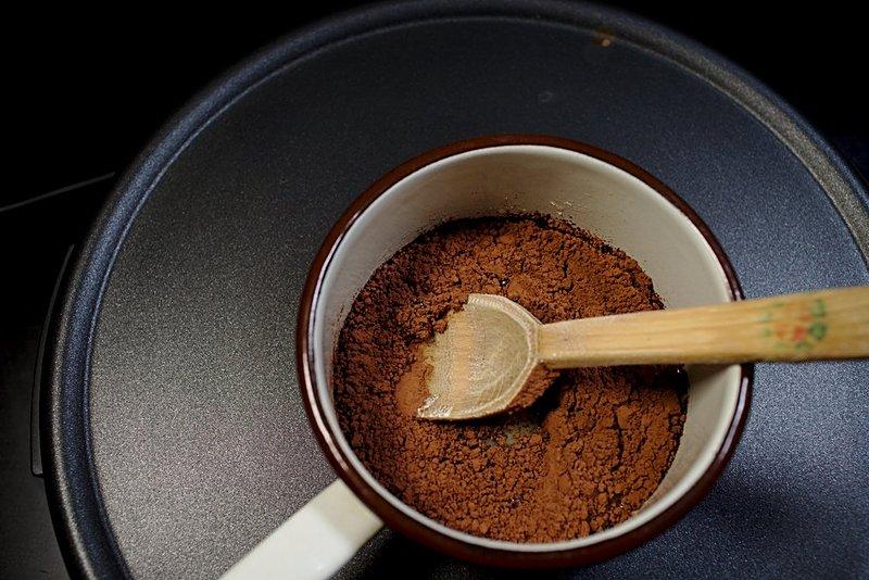 syrniki-unt-topit-cu-zahar-si-lapte-si-cacao
