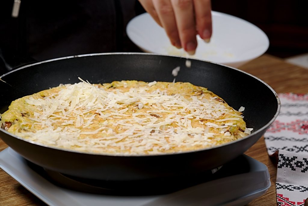 Potato scrambled egg - parmesan